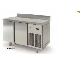 Mostrador Frío de 325 L de capacidad. 4 estantes y 2 puertas abatibles.